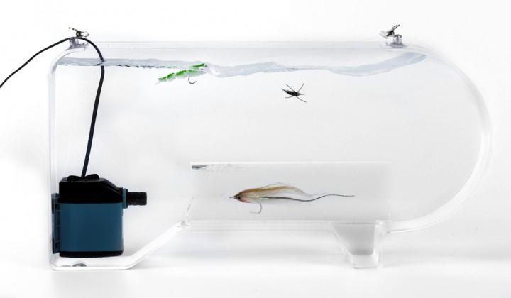 Fish Skull Fly Tester Wasserbecken