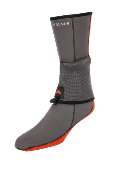 Simms Neoprene Flyweight Sock Socke mit Gravel Guard pewter